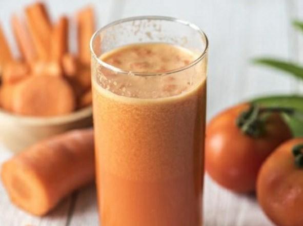 Carrot, Tomato & Celery Smoothie