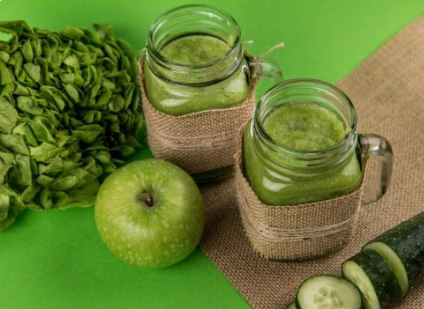 Apple, Cucumber & Spinach Smoothie
